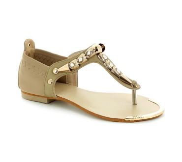 Printemps-été 2016 : escarpins, sandales plates…les grandes marques tendances