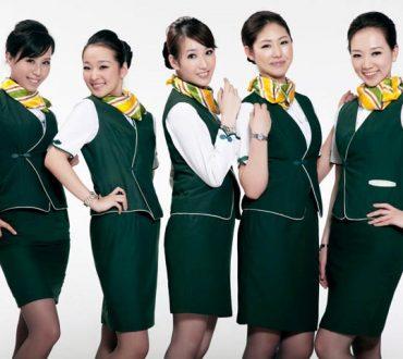 Pourquoi les hôtesses doivent-elles s'habiller en uniforme ?