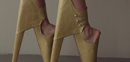 Chaussures à Talon qui claquent